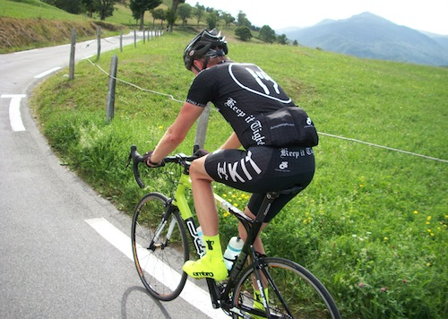 KIT_Athlete_Cruising_Uphill